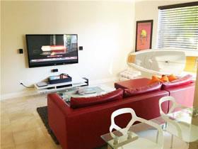 Apartamento com 2 quartos todo reformado em Aventura - Miami $349,000