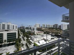 Apartamento 2 quartos todo reformado em Aventura - Miami $355,000
