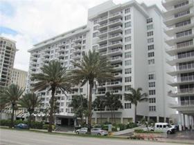 Apartamento de 2 quartos em frente a praia - Millionaires Row $380,000