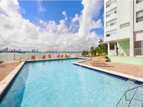 Apartamento em South Beach perto do Lincoln Road $200,000