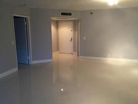Apartamento de 2 quartos todo reformado - Aventura - Miami $309,000