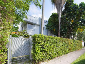 Apartamento com estacionamento reservado em South Beach - Miami $239,000