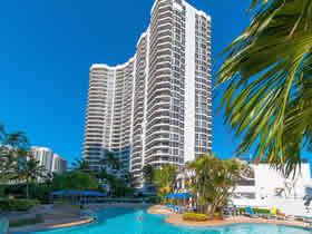 Apartamento de 2 quartos perto do shopping Aventura $369,000
