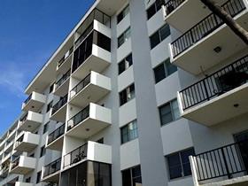 Apartamento chique com varanda em South Beach - Miami Beach $265,000