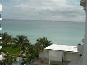 Apartamento em frente a praia em Collins Ave - Millionaires Row - Miami Beach $295,000