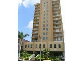 Apartamento em frente a praia - Collins Ave em Miami Beach $259,000