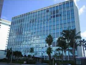 Apartamento em frente a praia em Miami Beach $449,000
