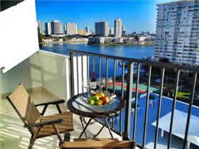 Apartamento chique de 2 quartos todo reformado em Aventura $329,000