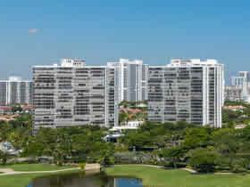 Apartamento de 2 quartos com bom preço em Aventura $219,000