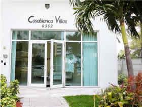 Apartamento Chique - travessa rua para praia em Collins Ave - Miami Beach $340,000