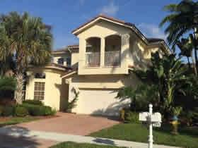Casa de 4 quartos em Pembroke Pines - perto de Miami $479,000