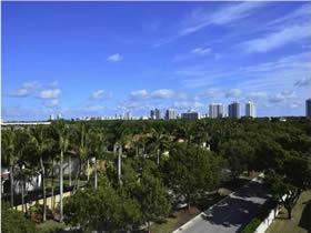 Apartamento Chique de 2 Quartos em Aventura - Miami $299,000