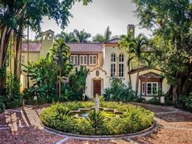 Im�vel de Luxo com 9 Quartos em Coconut Grove - Miami $65,000,000