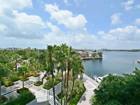 Apartamento de 2 Quartos no Williams Island - Aventura - Miami- $310,000