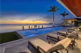 Vila de Luxo em frente ao mar para venda em North View Drive - Miami Beach- $10,900,000