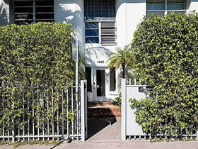 Apartamento a venda perto de Lincoln Road em South Beach - Miami Beach $524,000