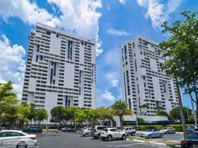 Apartamento Reformado em Aventura - Miami - 2 quartos $230,000