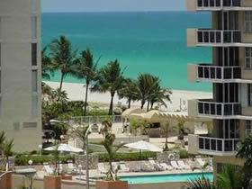 Apartameno Reformado em Miami Beach $299,000