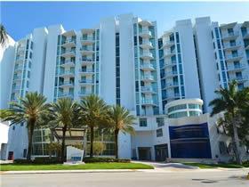 Apto Loft de 2 quartos- Prédio Moderno - Aventura, Miami $399,950