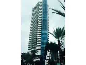 Apartamento em Frente a Praia - Miami Beach - Collins Ave $360,000