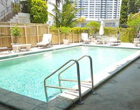 Apto Reformado de 2 quartos em South Beach - Miami Beach - 3 quadras até Lincoln Road $299,000