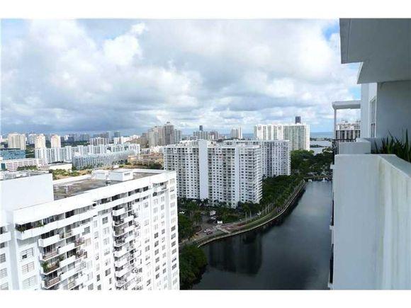 Apartamento 2 dormitorios todo reformado e mobiliado - Miami - $258,500