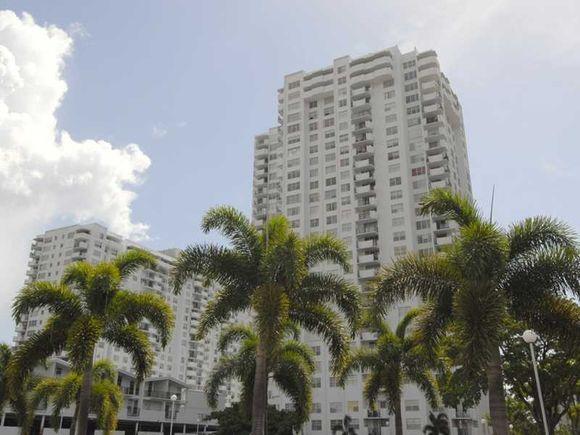 Apartamento com Vista do Mar - Miami- 2 dormitorios - reformado - $269,900